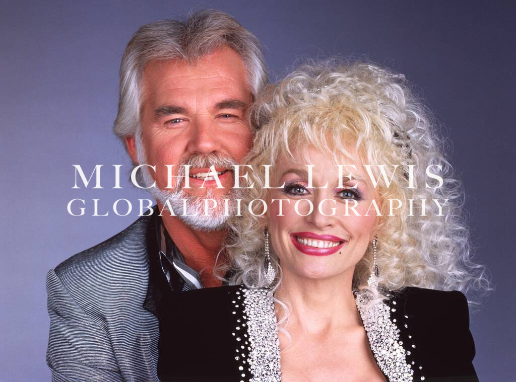 Kenny Rogers - Passed March 20, 2020. Dolly Parton is posing Rogers